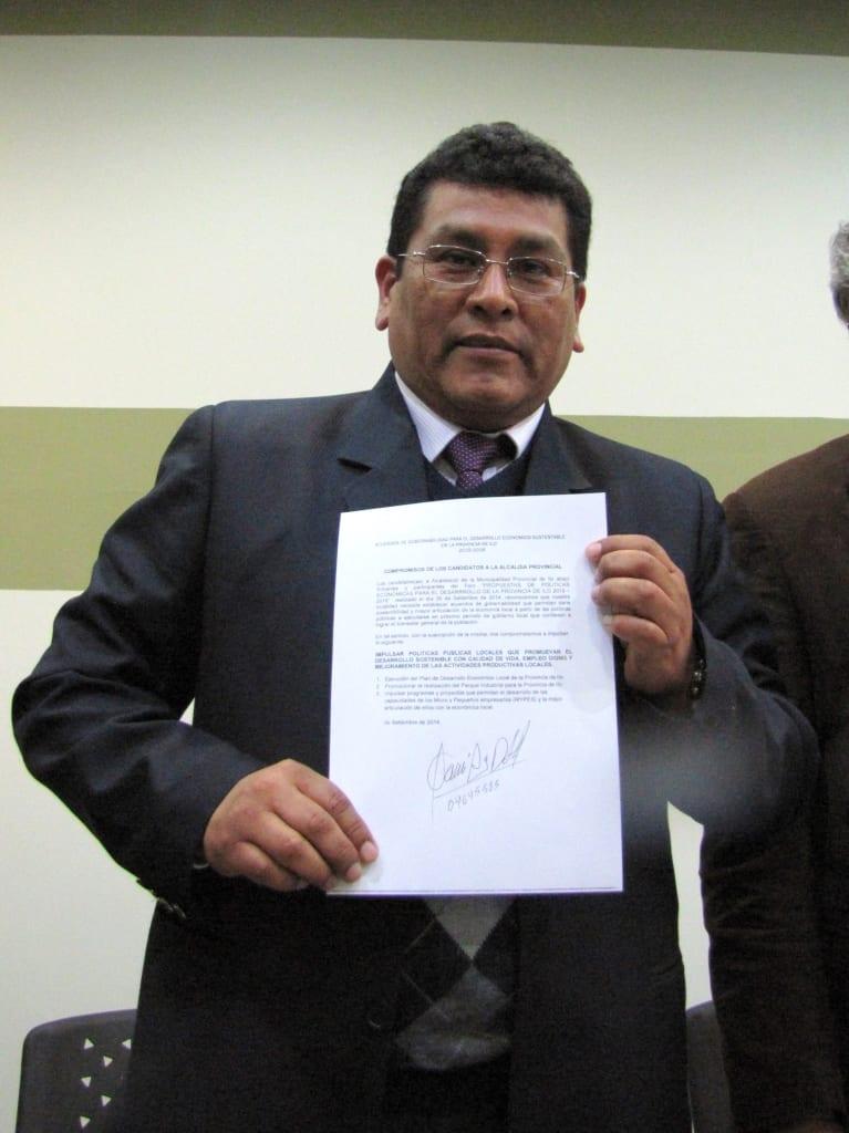 Abad Pari se defiende y presentará querella contra Madeleine Rodríguez