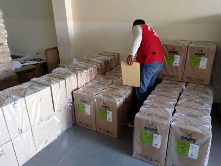 Material electoral llegó a la provincia de Islay