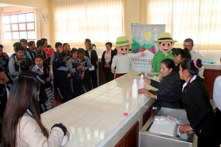 Implementan proyecto de elaboración de derivados lácteos en Punta de Bombón