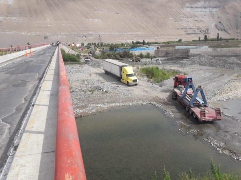 Restringen paso por puente Freyre ante colapso parcial
