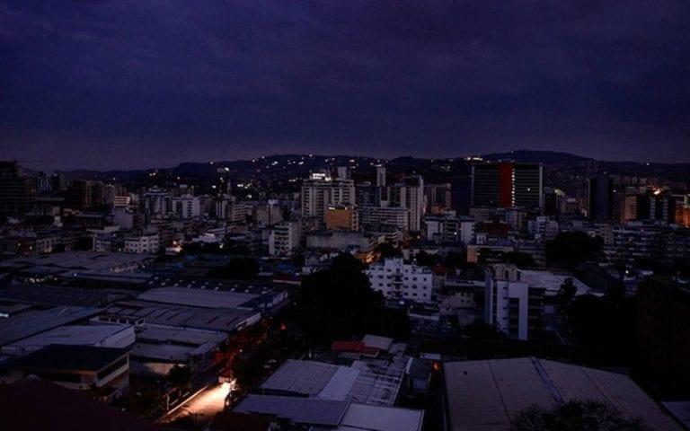 Colombia rechaza acusación de Maduro de ser fuente de ataques cibernéticos