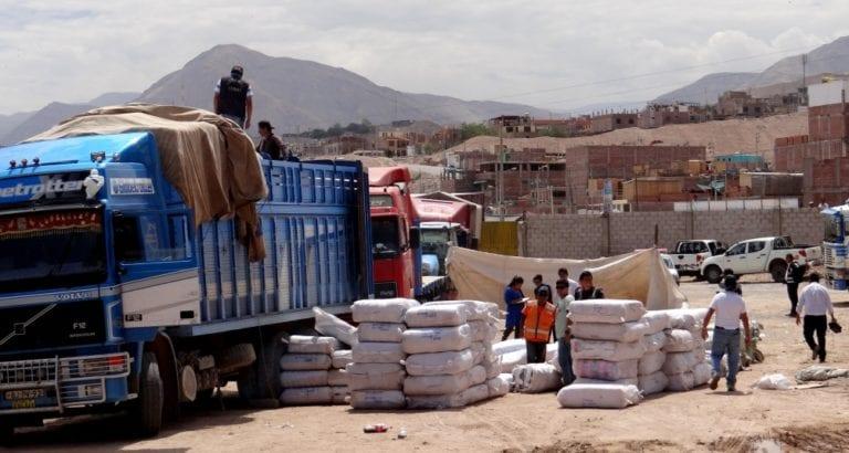Camiones con contrabando fueron internados en almacenes de Aduanas