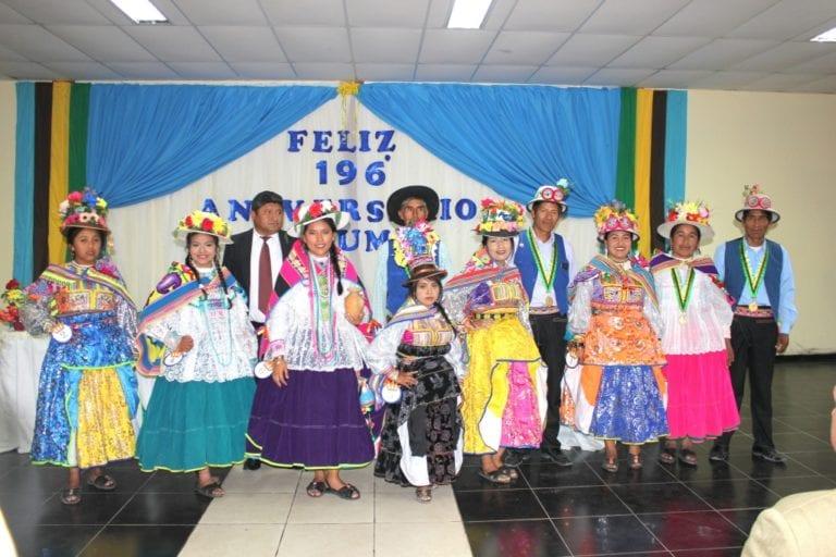 Presentan programa de festejos de Carumas