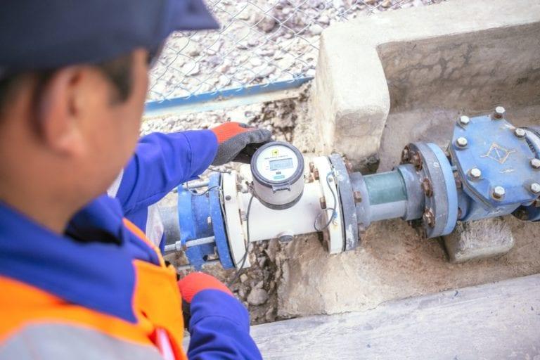 Sistemas de agua potable y alcantarillado en mantenimiento