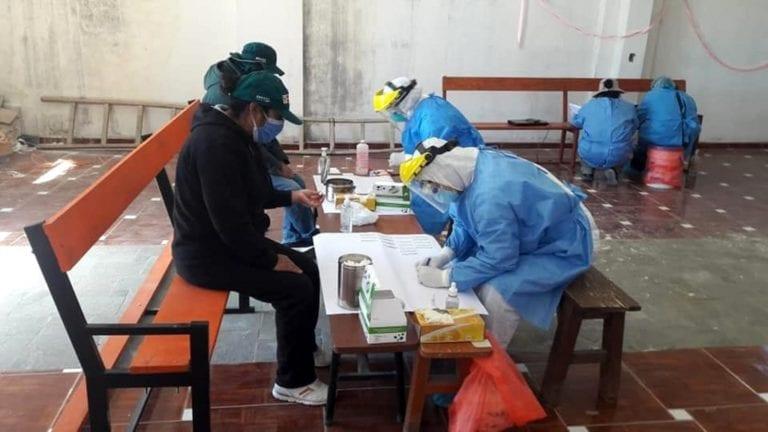 Nuevos casos de covid-19 en Puquina, Cuchumbaya y San Cristóbal