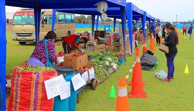 Nuevamente organizan mercado itinerante en Punta de Bombón