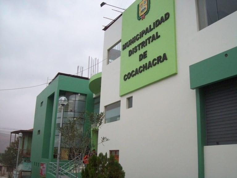 Trabajadores buscan reposición laboral en municipio de Cocachacra