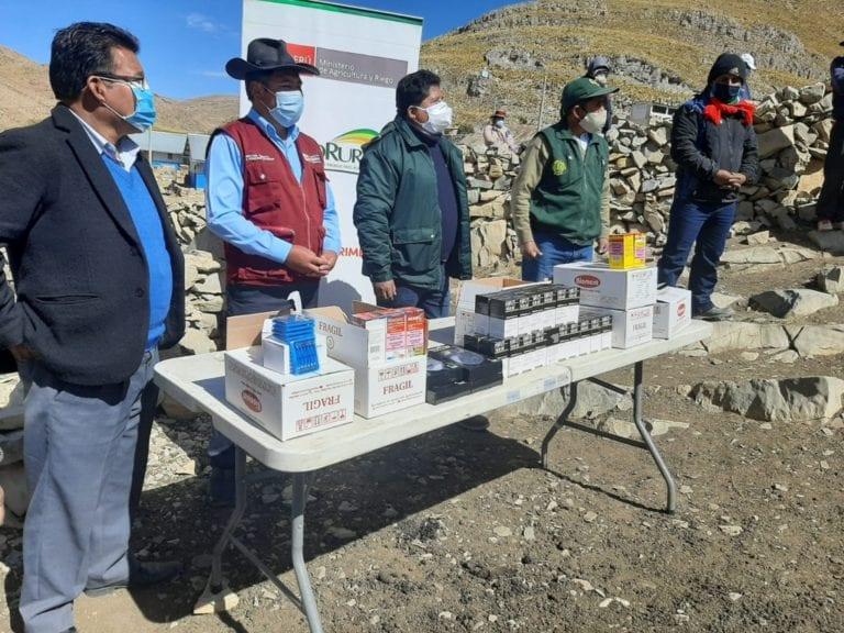 Moquegua culmina entrega y aplicación de 300 kits veterinarios