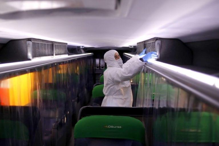 Transporte interprovincial: pasajeros deberán viajar con mascarilla y protector facial