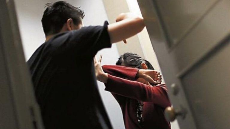 Sujeto es intervenido por golpear salvajemente a conviviente